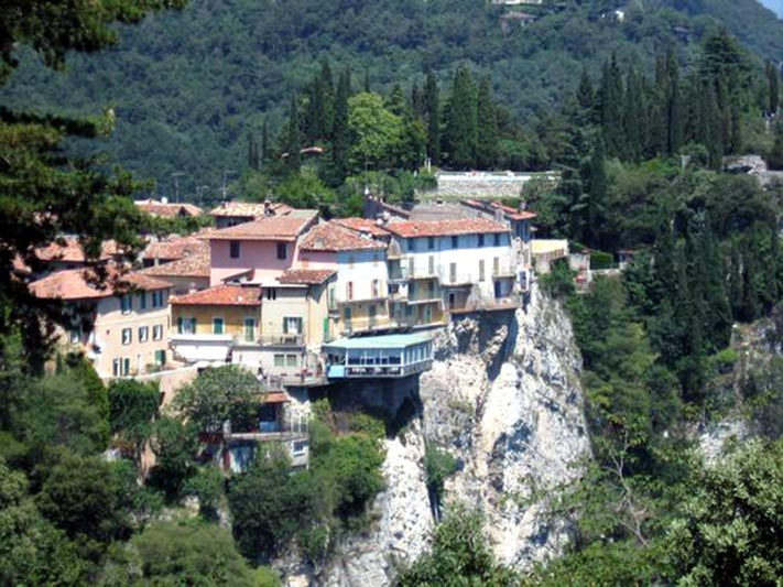 Terrace of the Thrill - Il Garda Online